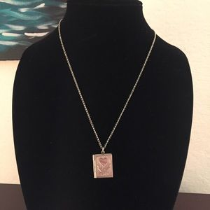 Jewelry - Silver tone locket and chain